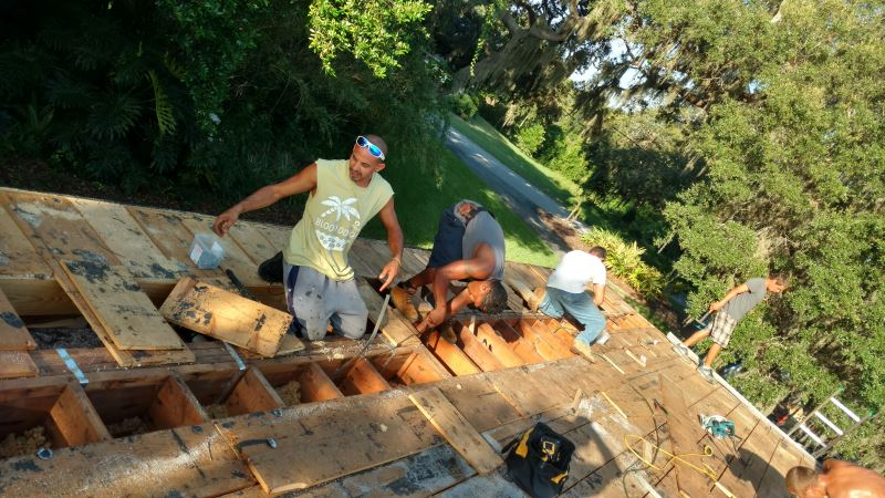Flat Tpo Roof In Tarpon Springs The Roofing Company Re